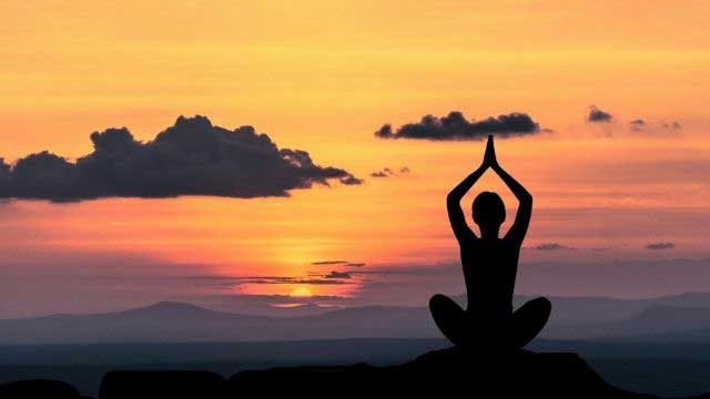 Simple Health Tips for Everyone Happy Living - Yoga Breathing Improves Lung Function